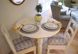dinig table of mendocino vacation rental cottage